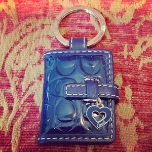 Navy patent leather Coach photo frame keychain🦋